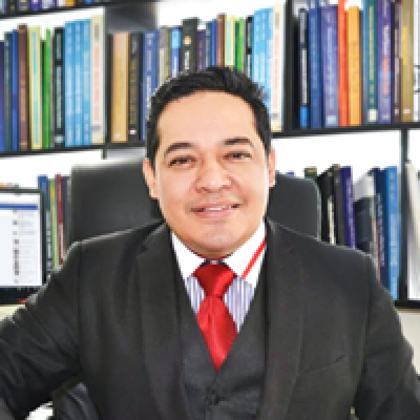 Doctor Cesar Calderon