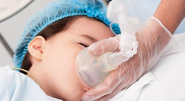 Cirugía estética en niños: todo lo que debes saber como padre