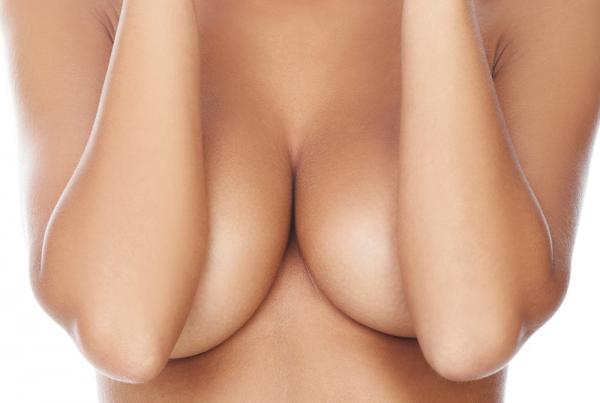 Aumento senos con prótesis - visita gratuita en TodoEstetica.com
