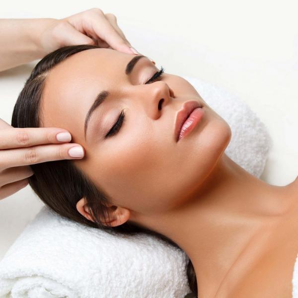 Higiene facial profunda + radiofrecuencia facial por 65€ en TodoEstetica.com