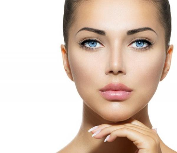 Perfilado y aumento de labios con ácido hialurónico específico para labios en TodoEstetica.com