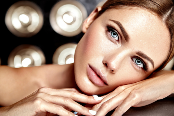 Prepara tu piel para el verano con un peeling químico antioxidante