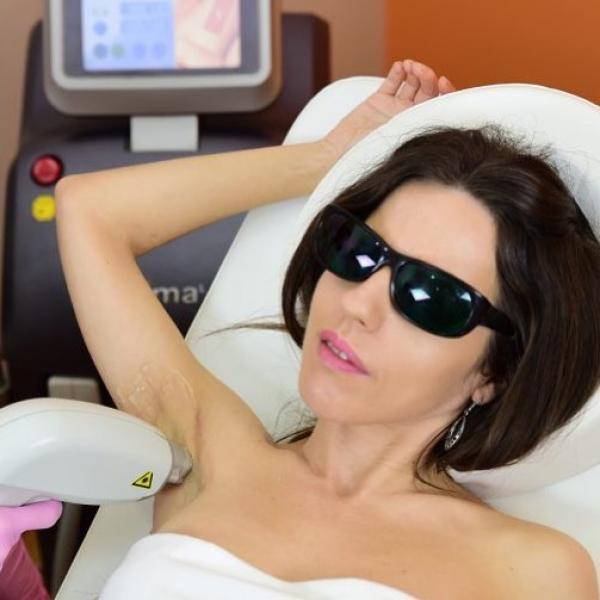 Ahora tu sesión de depilación láser de axilas por tan solo 15€ en Madrid
