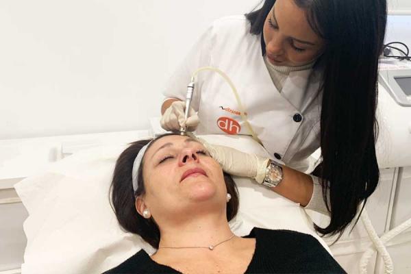 Prepara tu piel para el verano: Higiene facial con Microdermoabrasión (1sesión) en TodoEstetica.com