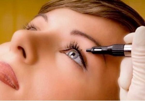 Con la micropigmentación y el microblading radiante 24 horas al día, 365 días al año - Bellezzia clínicas estéticas